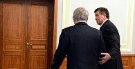 Президент Кыргызской Республики Сооронбай Жээнбеков на встрече с главой Казахстана Нурсултаном Назарбаевым в городе Минск, Беларусь.