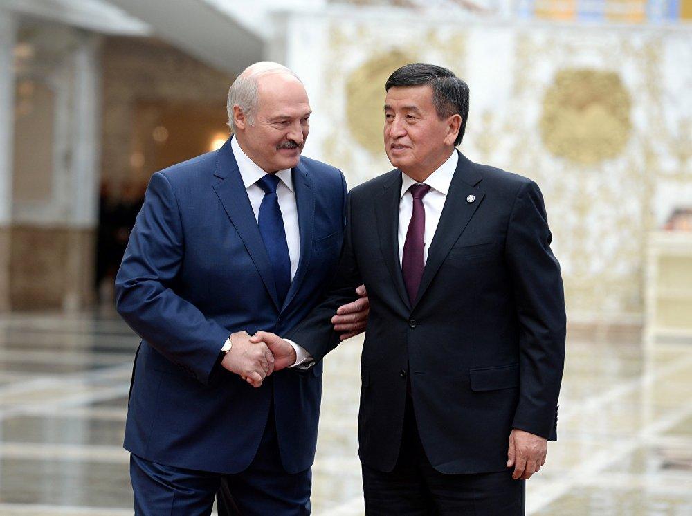 Белоруссиянын президенти Александр Лукашенко Сооронбай Жээнбековду кызматка киришүүсү менен куттуктады