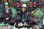 Башканы коюп Манасты айт! Бишкекте 7 күндүк Манас айтуу башталды