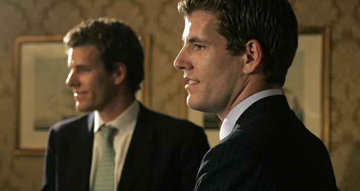 Братья-близнецы Кэмерон и Тейлор Уинклвоссы. Архивное фото
