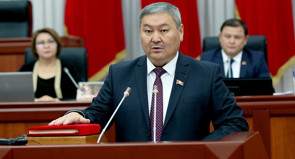 Республика – Ата-Журт фракциясыннын депутаты Закир Шарапов