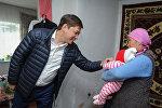 Премьер-министр Сапар Исаков Нарын облусуна болгон сапарында. Архивдик сүрөт