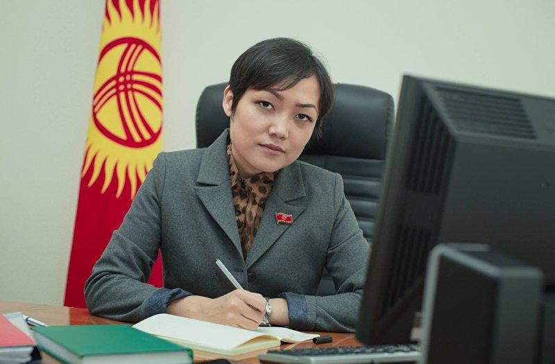 Депутат ЖК от фракции СДПК Аида Касымалиева. Архивное фото