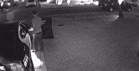 Дерзкое ограбление: вор обокрал полицейское авто в США — видео