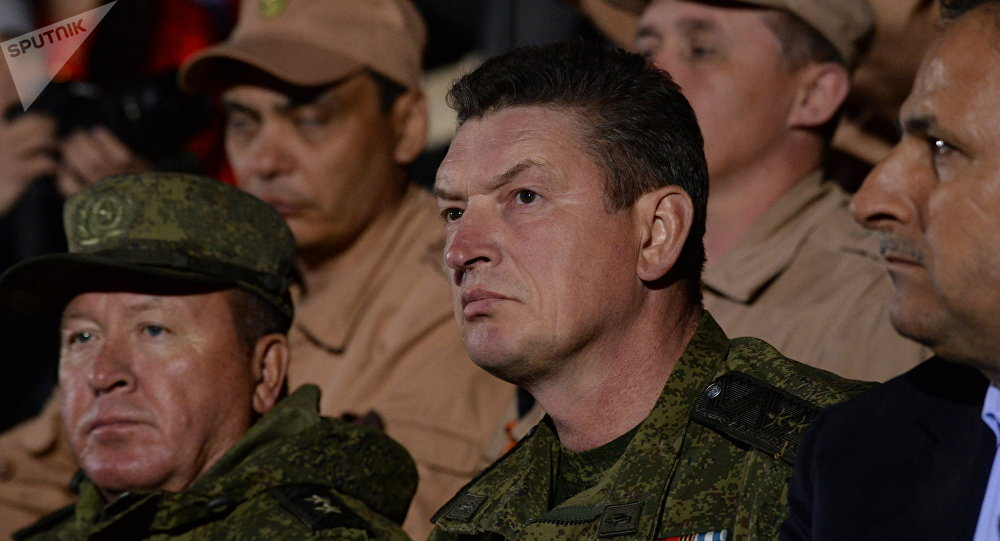 Командующий группировкой Пальмира генерал-лейтенант Александр Лапин (в центре). Архивное фото