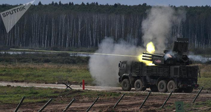 Зенитный ракетно-пушечный комплекс во время военного шоу. Архивное фото