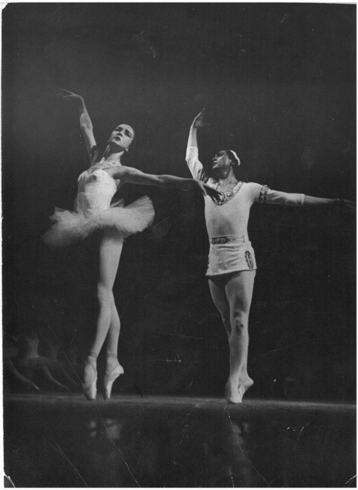 Баядерка балети. Уран Сарбагышев менен Айсулуу Токомбаева.