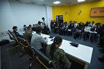 Встреча сотрудников Министерства чрезвычайных ситуаций с учащимися бишкекской средней школы № 24