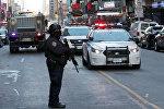 Полицейские на месте взрыва в центре Манхэттена в Нью-Йорке, США 11 декабря 2017