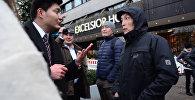 Берлиндеги бири-бирин түшүнбөгөн эки кыргыз немисче эмне деп сүйлөштү. Видео