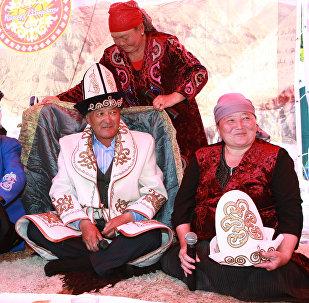 Участники фестиваля народного и прикладного искусства. Архивное фото