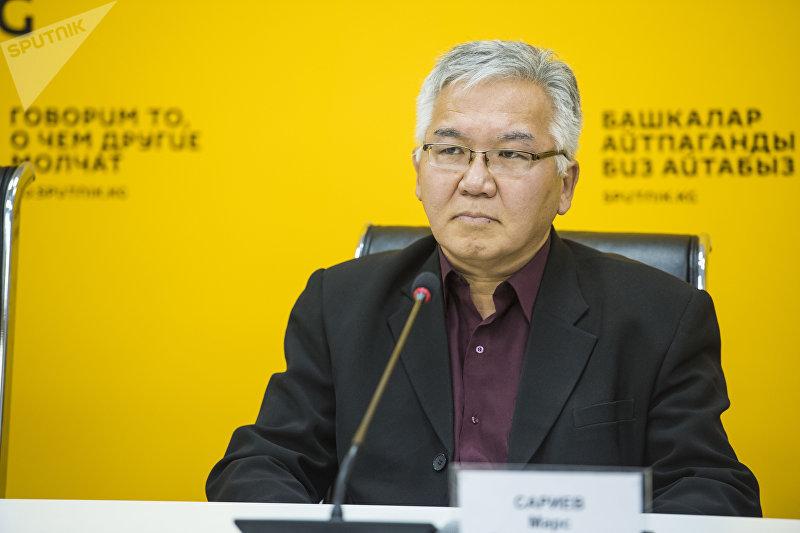 Политолог, эксперт по региональной безопасности Марс Сариев во время видеомоста Угроза религиозного экстремизма в странах СНГ в мультимедийном пресс-центре Sputnik Кыргызстан