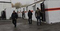Мобильные дома из контейнеров построенные для пострадавших от землетрясения.