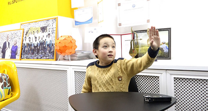 «Нехочу наканикулы!»: Рунет умилило видео сплачущим школьником