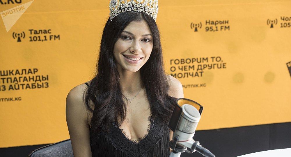 Модель, обладательница Мисс бикини СНГ Галина Лукина