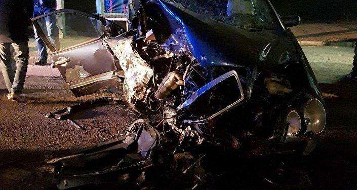 Бишкекте Курманжан датка жана Горький көчөлөрүнүн кесилишинде Mercedes-Benz үлгүсүндөгү эки унаанын катышуусунда жол кырсыгы болду