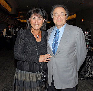 Канадский миллиардер Барри Шерман и его супруга Хани. Архивное фото