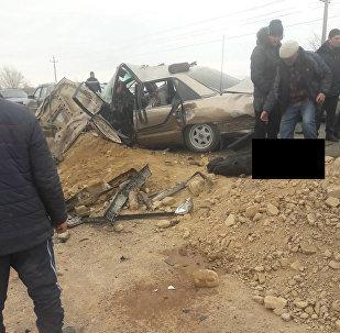 Последствия ДТП с двумя легковыми авто в селе Корумду Иссык-Кульской области