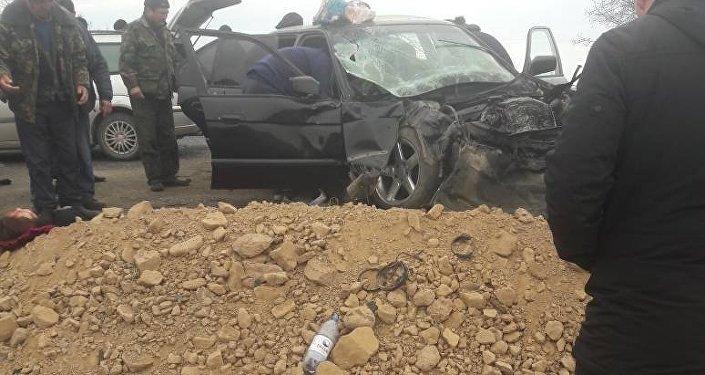 Утром 20 декабря в селе Корумду Иссык-Кульской области столкнулись два легковых авто, пострадали шесть человек