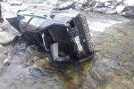 В реку Аламудун в селе Кой-Таш Чуйской области упал автомобиль, водитель погиб