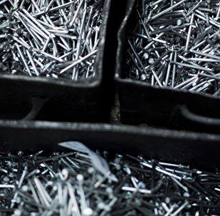 Гвозди в коробках. Архивное фото