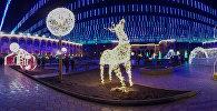 Гуляйте по новогодней площади Бишкека, не вставая с дивана