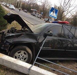 Последствия ДТП на правительственной трассе с автомашиной ГКНБ