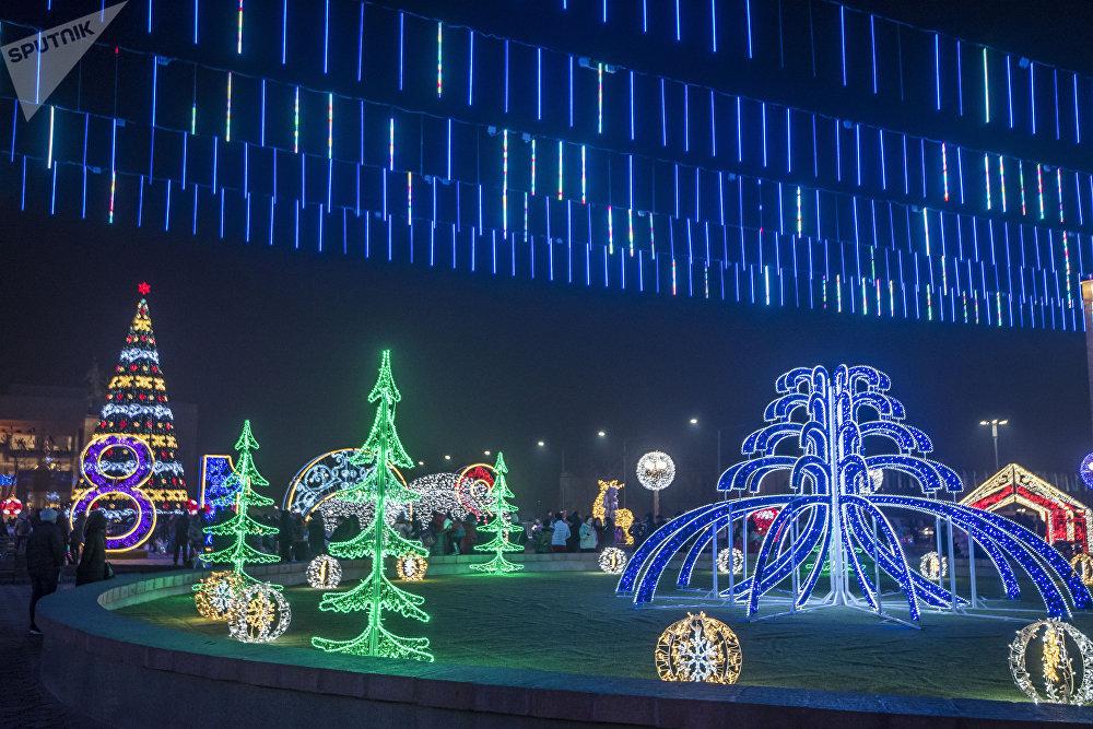 На площади смонтировано светодиодное 3D-полотно, которое обошлось в 9 миллионов сомов