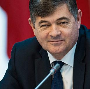 Архивное фото экс-вице-премьер-министра КР Олега Панкратова