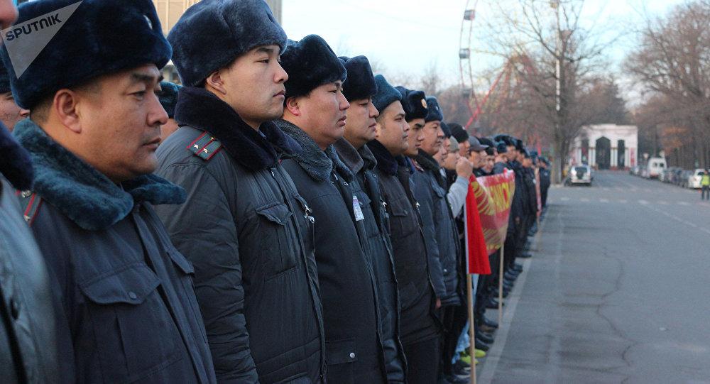 Сотрудники ГУВД Бишкека. Архивное фото