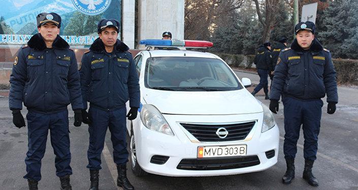 На Старой площади столицы состоялись презентация новой службы ГУВД и развод Бишкекского гарнизона