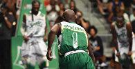 Флойд Мэйвезер играет в баскетбол. Архивное фото