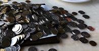 Бишкекчане расплачиваются кучей тыйынов в кафе и магазинах — эксперимент