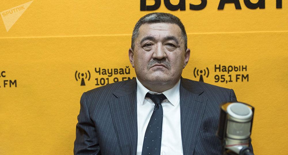 Мэр города Бишкек Албек Ибраимов во время интервью на радио Sputnik Кыргызстан