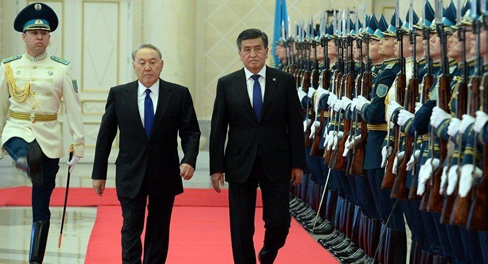 Президент КР Сооронбай Жээнбеков во время встречи с президентом Республики Казахстан Нурсултаном Назарбаевым в Астане