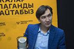 Режиссёр Сүйүн Откеевдин архивдик сүрөтү