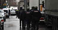 Оцепление полиции на Иловайской улице. Неизвестный открыл стрельбу на Иловайской улице в Москве: один человек погиб.