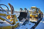 Специальная техника подрядной организации Ehitusfirma Rand Ja Tuulberg AS для выполнения работ по закрытию свалки и строительству санитарного полигона в Бишкеке