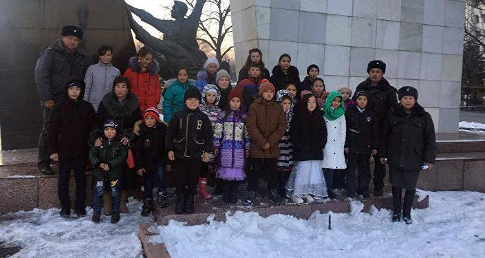 Посещение 23 круглых сирот площади Ала-Тоо в Бишкеке