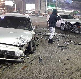 Последствия ДТП на пересечении улицы Абдрахманова и проспекта Чуй