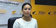 Руководитель общественного объединения по защите животных Инукобо Лилия Сарсенова на радиостудии Sputnik Казахстан. Архивное фото