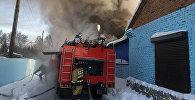 Пожар в здании с обувным производством в поселке Чернореченский Новосибирской области