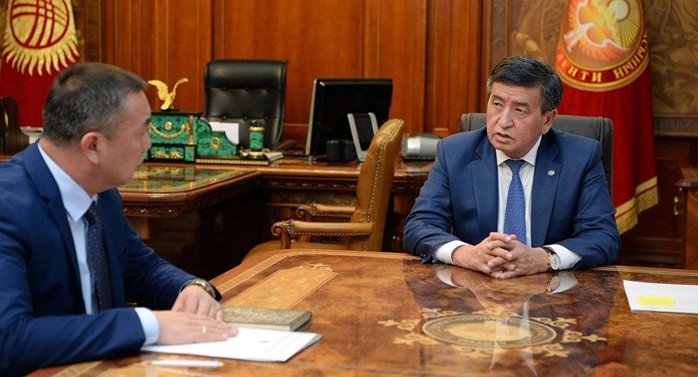 Президент КР Сооронбай Жээнбеков принял директора Государственной комиссии по делам религий Зайырбека Эргешова