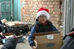 Чем занимаются дети на зимних каникулах. Рейд ИДН на рынке в Бишкеке — видео
