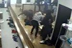 В Южной Корее кабан-террорист напал на посетителей кафе — видео