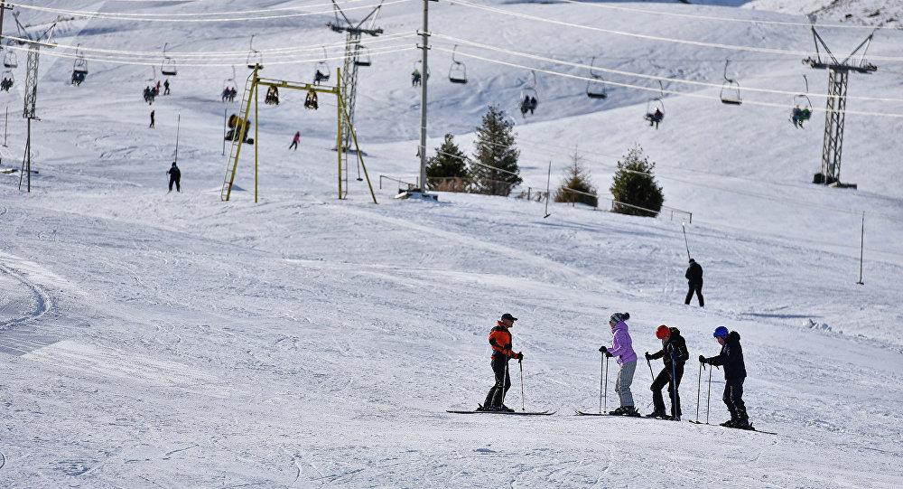 Кыргызстандагы лыжа базасы. Архивдик сүрөт