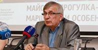 Профессор Уральского федерального университета и член Комитета по метеоритам РАН Виктор Гроховский