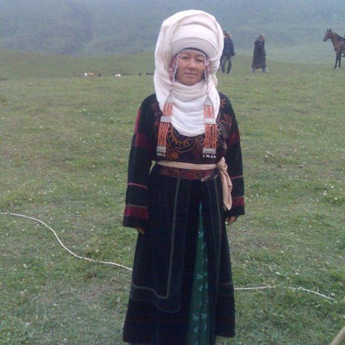 Актриса и юмористка Айнура Тургунбаева