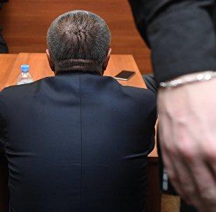 Обвиняемый в зале суда. Архивное фото