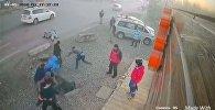 Массовая драка в Караколе — видео с камеры наблюдения